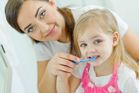 Pediatric Dentist - Brushing Tips